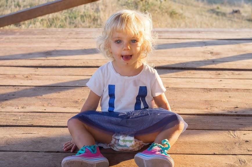 Едно много болно от варицела дете, което се чуди защо не е на ясла
