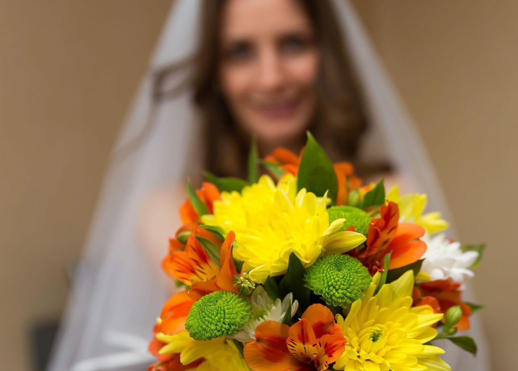 Мими на сватбата си - април 2014