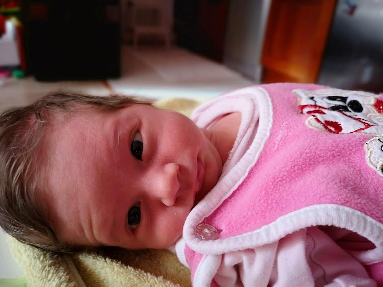 """бебе Адриана - муцуна в стил """"Елате ми на гости"""""""