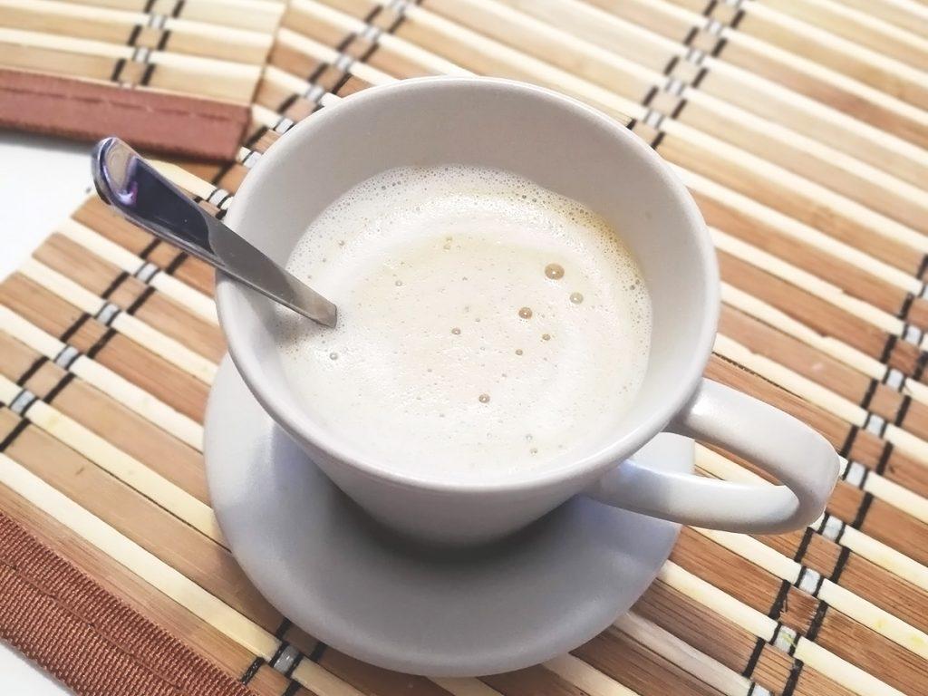 Кокосово капучино (кокосово лате)