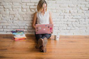 работа с блогъри, работа с инфлуенсъри, колаборация с блогъри и инфлуенсъри