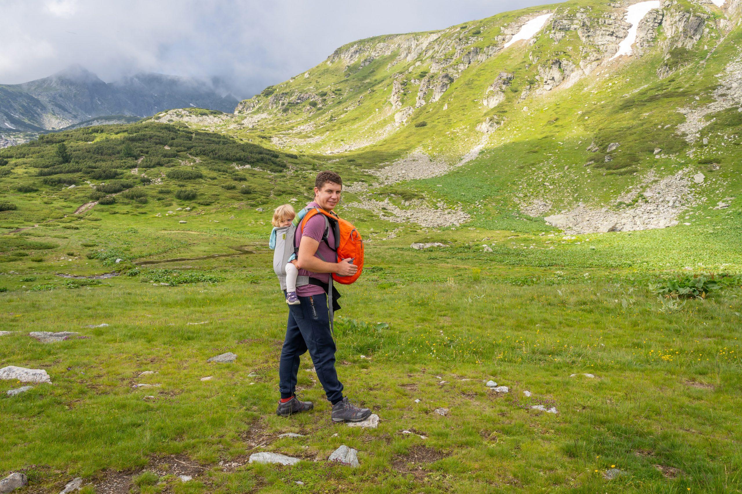 Последното возене на Ади с раница, на разходка в планината