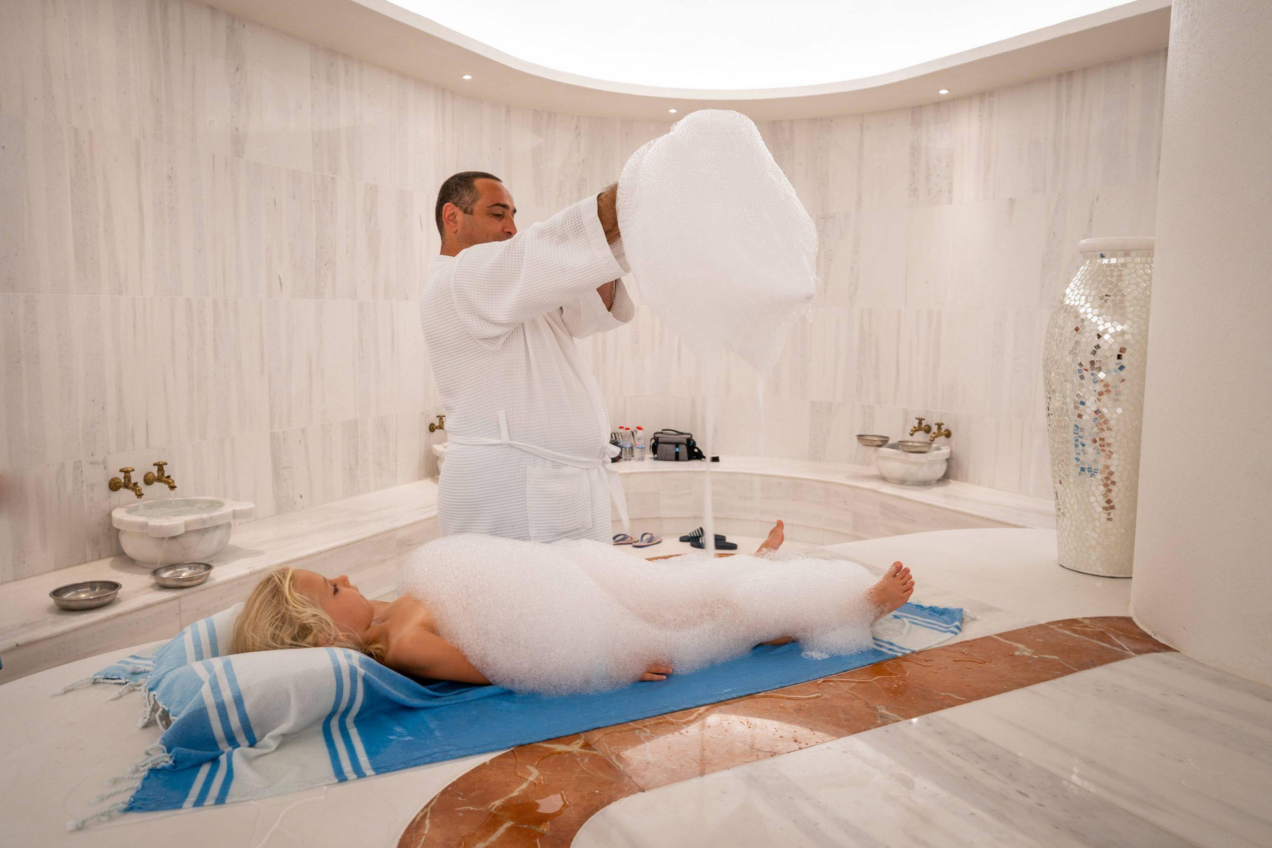 На турска баня с деца - Wave Resort 2020
