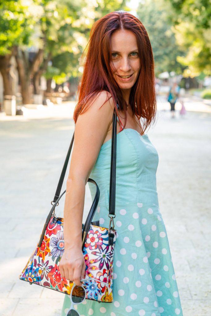 Една от любимите ми покупки от Fashion Days тази година е ей тази чанта